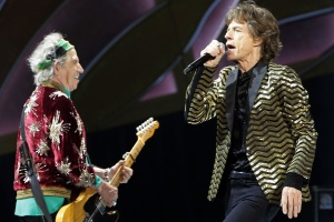 SYDNEY, AUSTRALIA - NOVEMBER 12:  Mick Jagger and Keith Richards of The Rolling Stones perform live at Allphones Arena on November 12, 2014 in Sydney, Australia.  (Photo by Mark Metcalfe/Getty Images)